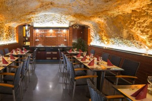 Restaurant_rock_2_2015_small